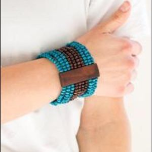Wooden beaded stretchy bracelet